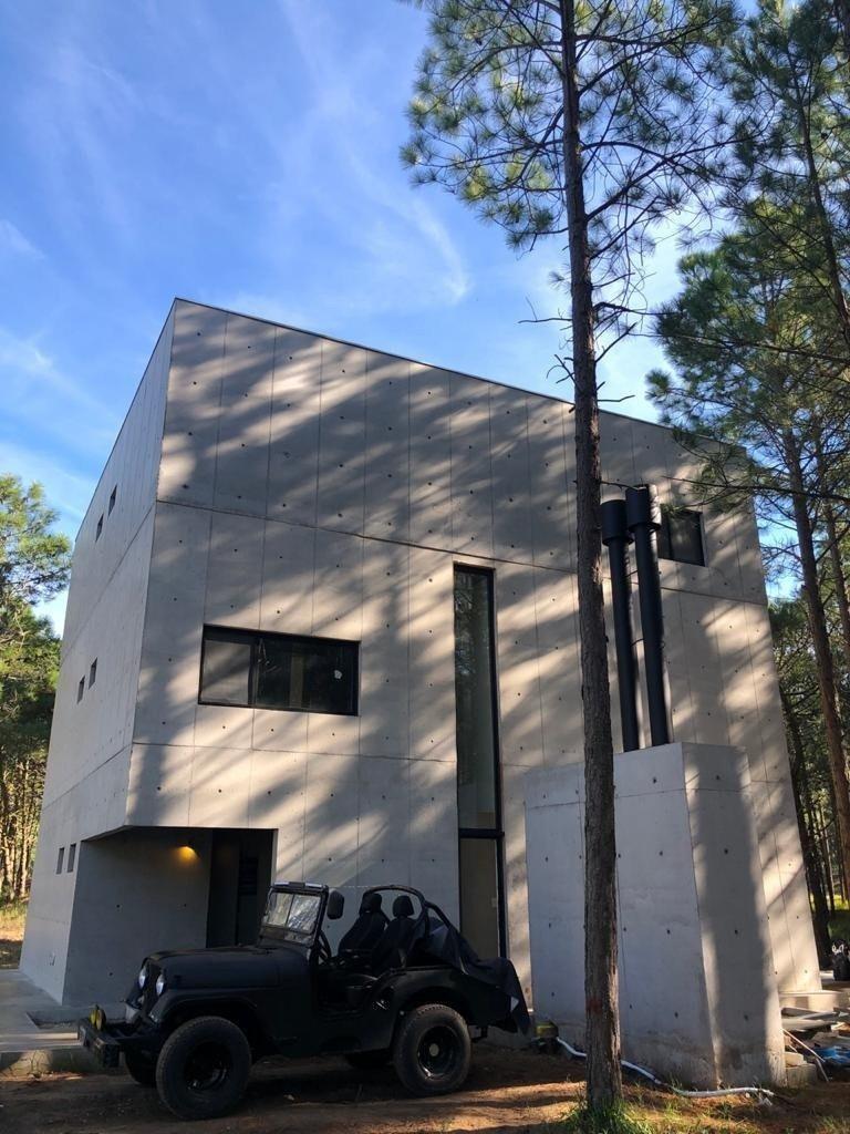 casa de diseño en el norte de pinamar. minimalista y sustentable