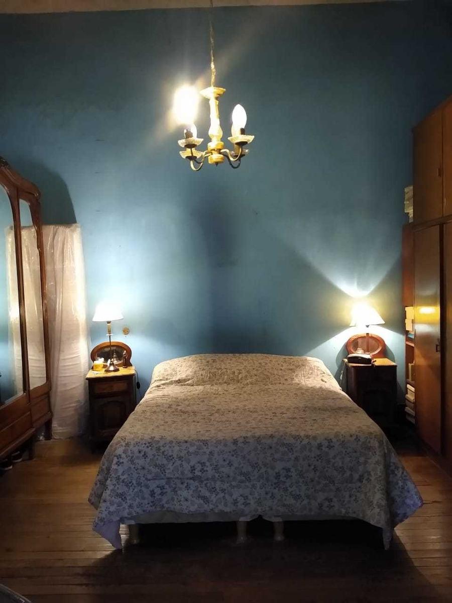 casa de dos dormitorios con ambientes amplios