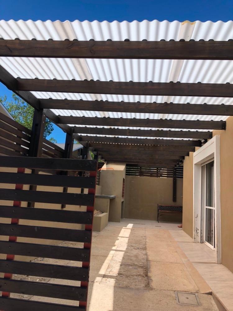 casa de dos dormitorios en barrio privado - venta o permuta