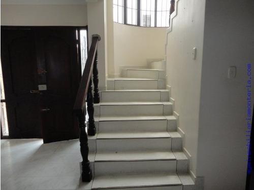 casa de dos pisos 178 millomes