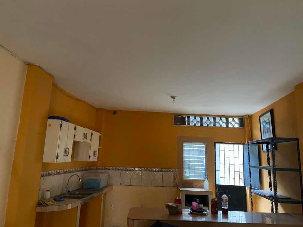 casa de dos pisos 2 habitaciones , 2 baño ,piso caramica