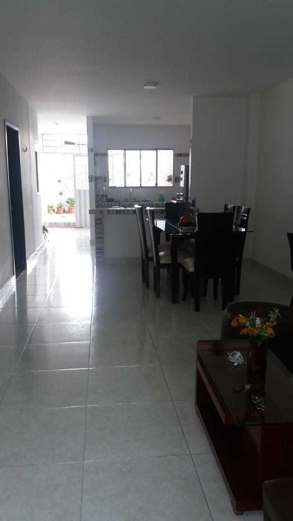 casa de dos pisos apartamentos independientes