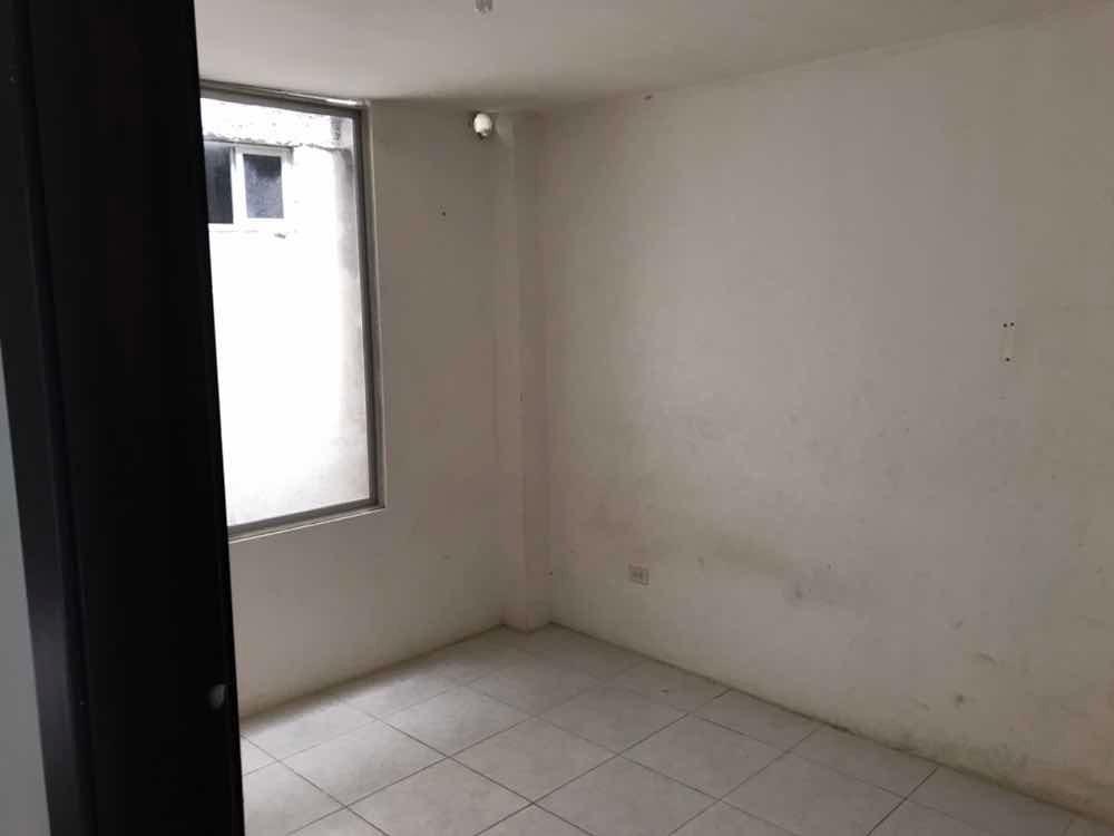casa de dos pisos, son dos departamentos más terrasa