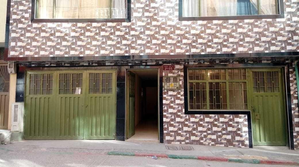 casa de dos pisos tres apartamentos garaje y terraza portal