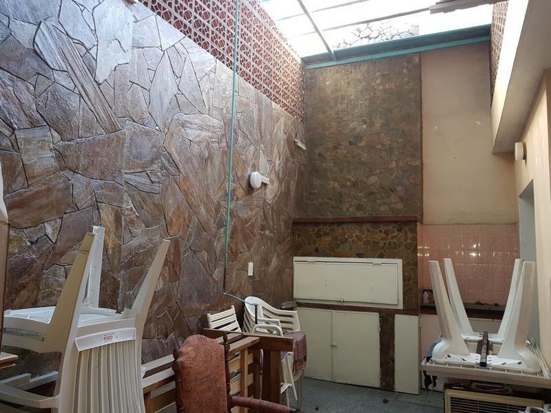 casa de dos plantas al frente - rosario - echesortu