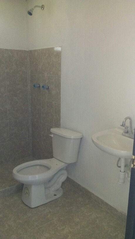 casa de dos recamas y un baño mas terreno  de 117m2