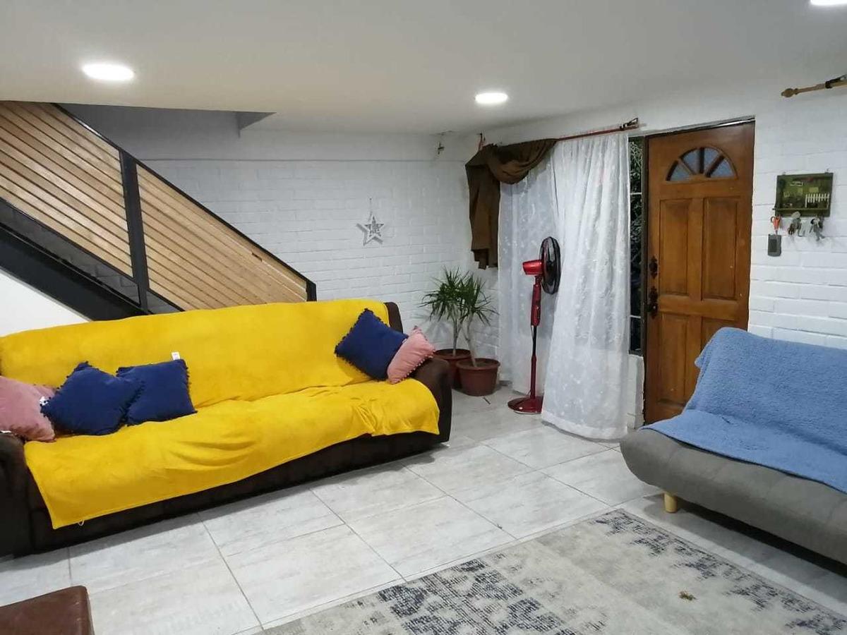 casa de esquina 4 dormitorios 2 baños