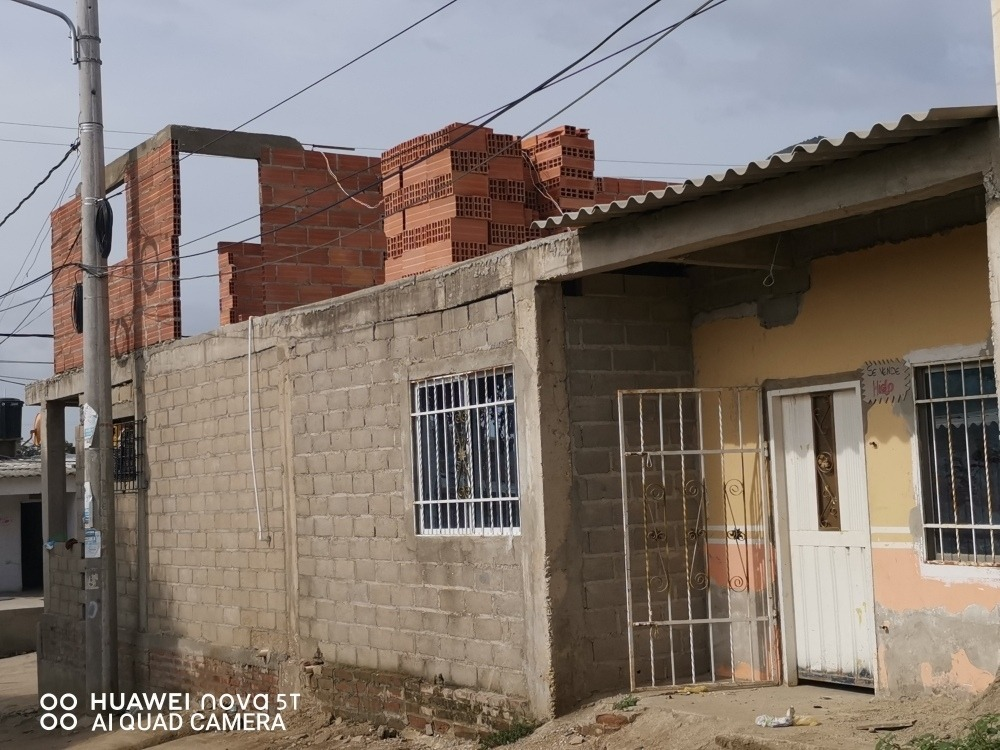 casa de esquina con negocio apartamento y plafon