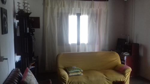 casa de esquina no balneário gaivota, em itanhaém.