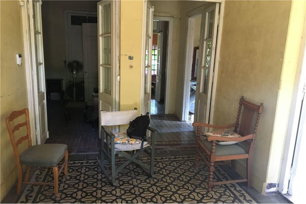 casa de estilo en venta en alvear 4 dormitorios