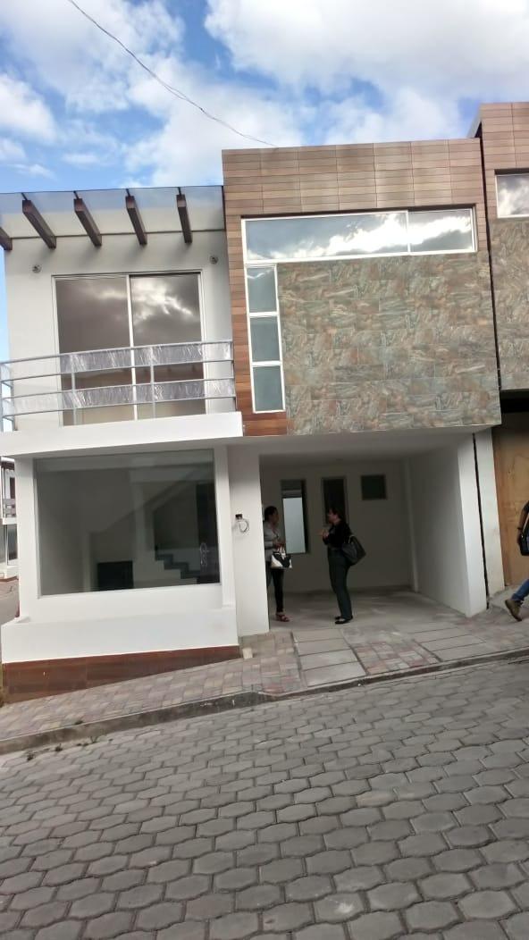 casa de estreno 5 ambientes, conjunto con piscina y chanchas