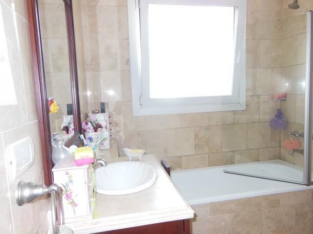 casa de excelente calidad constructiva al agua en la isla nd