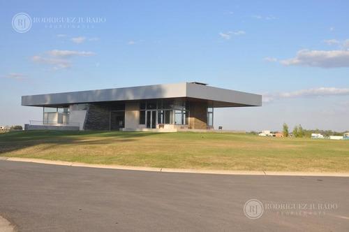 casa de excelente calidad de construcción en área 4 - san matias - escobar