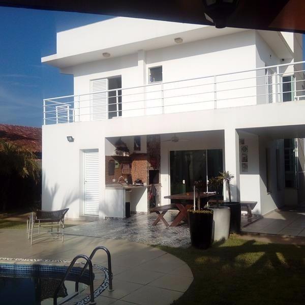 casa de frente o mar