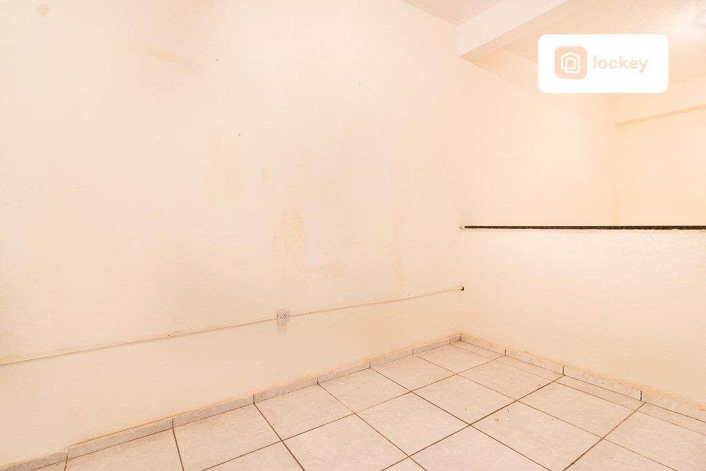 casa de fundos com 30m² e 1 quarto - 3779