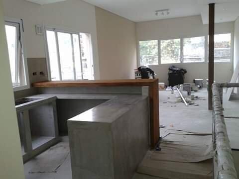 casa de ladrillo visto, construcción tradicional obra gris