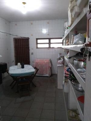 casa de laje no balneário gaivota, em itanhaém, litoral sul