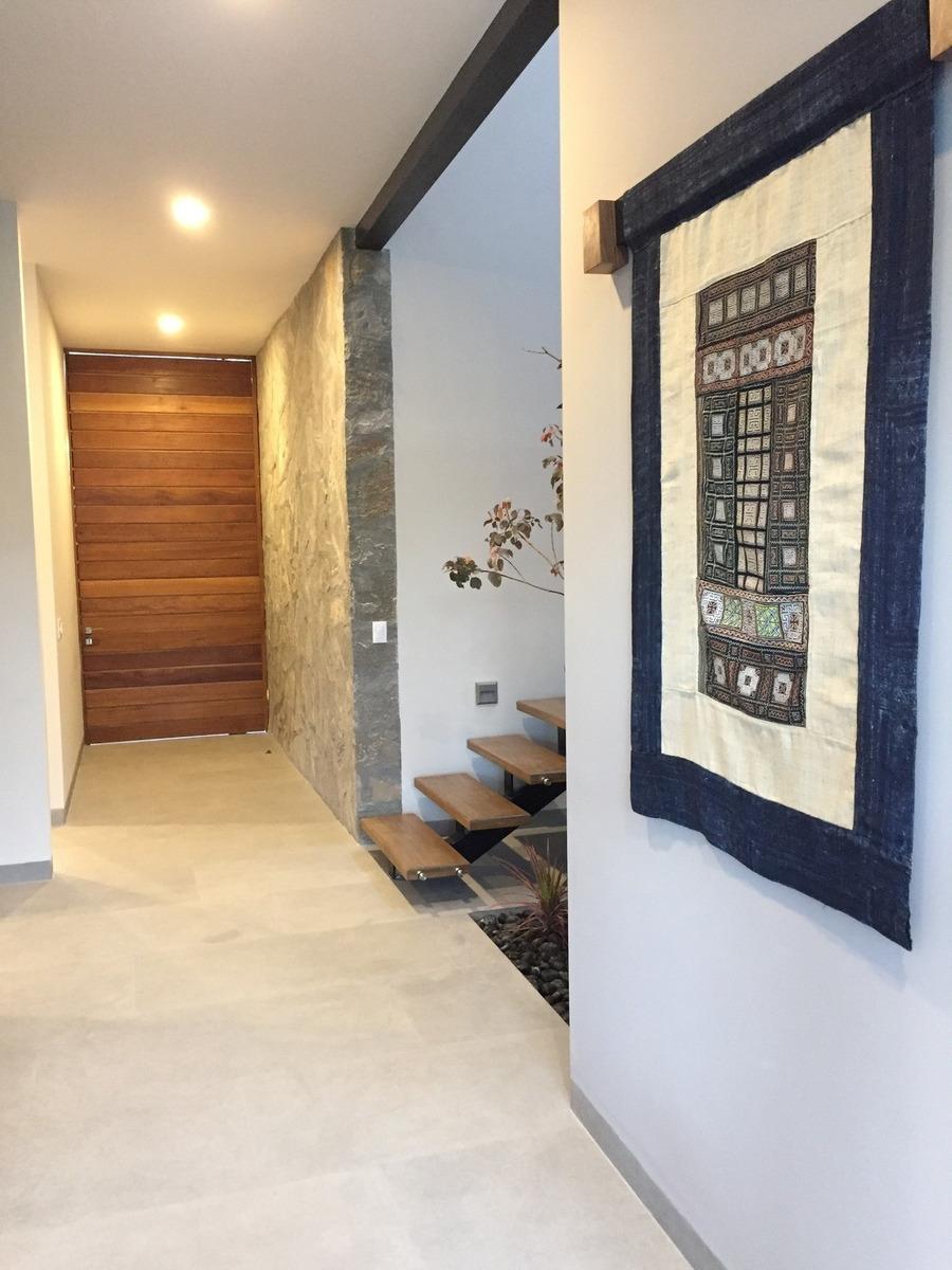 casa de lujo en pre venta en altozano querétaro, 3 rec, cto servicio, jardín