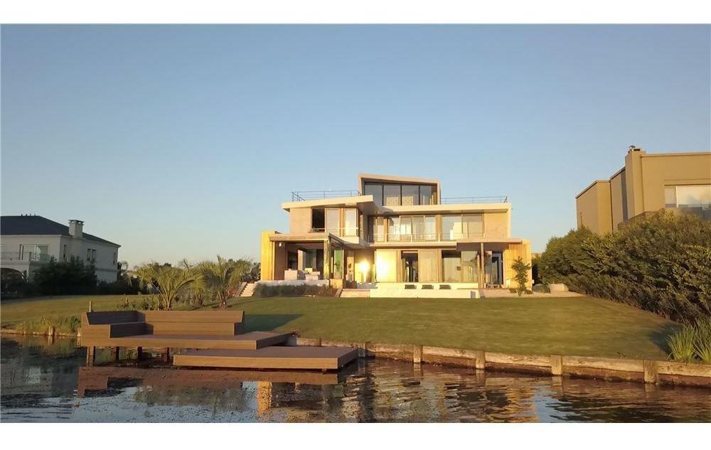 casa de lujo - golf de nordelta - a laguna central