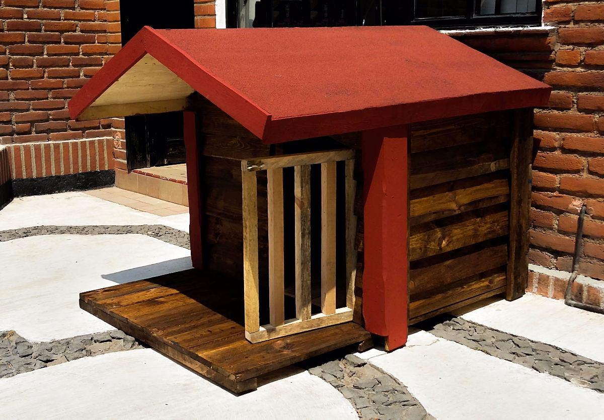 casa de madera para perro con terraza impermeabilizada