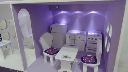 casa de muñecas barbie con muebles y luces decorada pintada