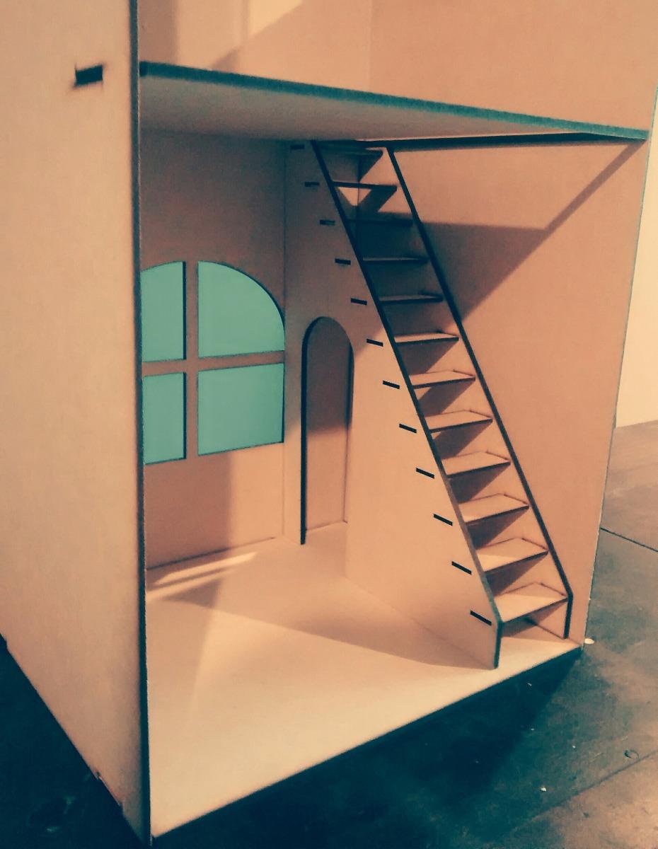 casa de muecas en fibrofacil para barbie con escalera