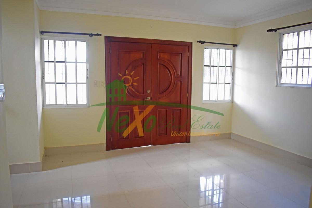 casa de oportunidad en santiago (eac-235)