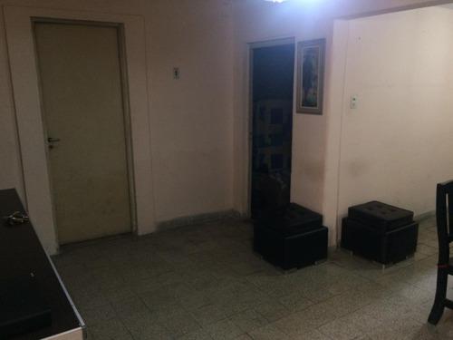 casa de pasillo en barrio jorge cura