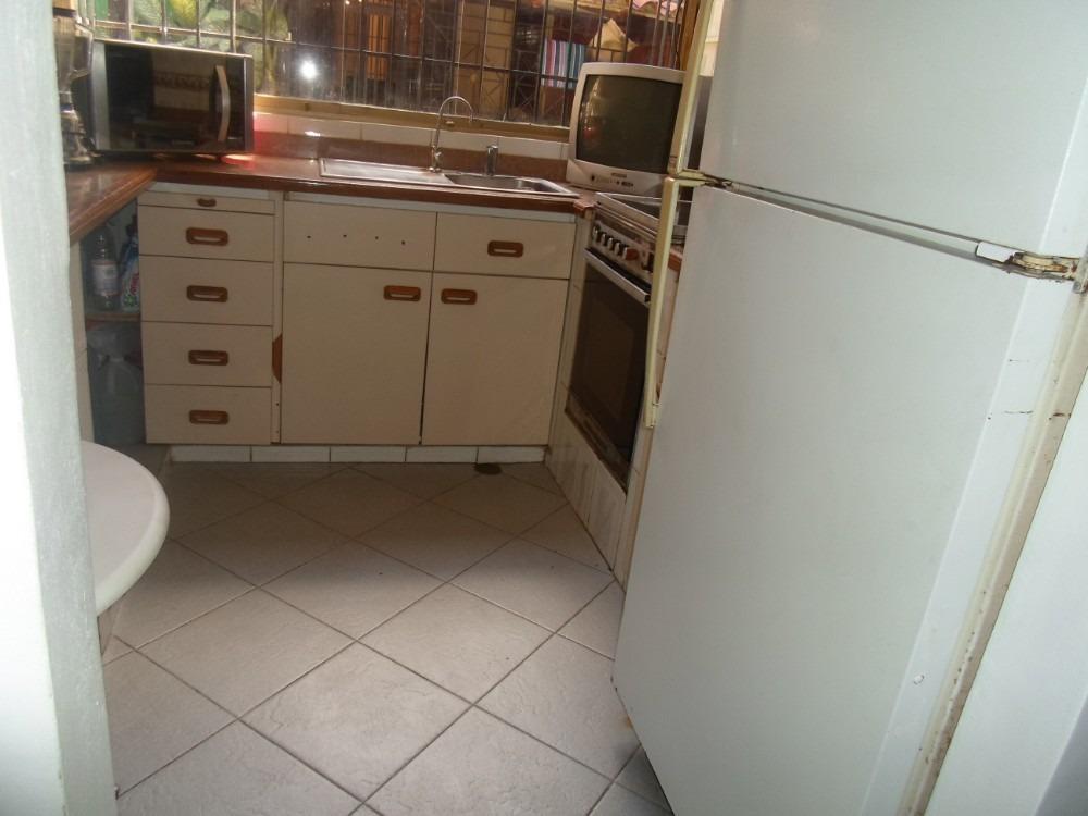casa de  seis ambientes y dos baños