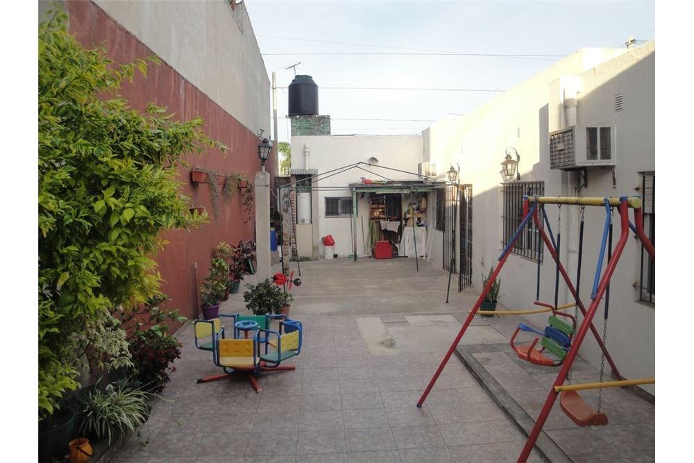 casa de tres ambientes con patio! apta crédito