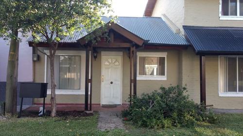 casa de tres ambientes en country  weekend en escobar
