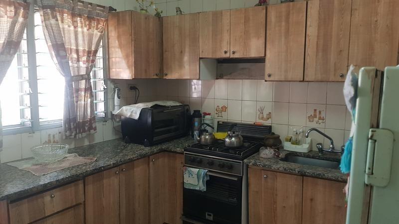 casa de tres ambientes en venta, san justo, la matanza. lote de 10x68.