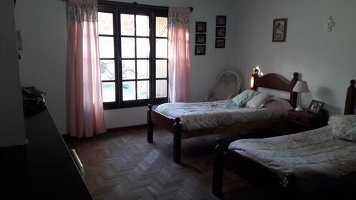 casa de tres dormitorios con garage. mercedes (b)