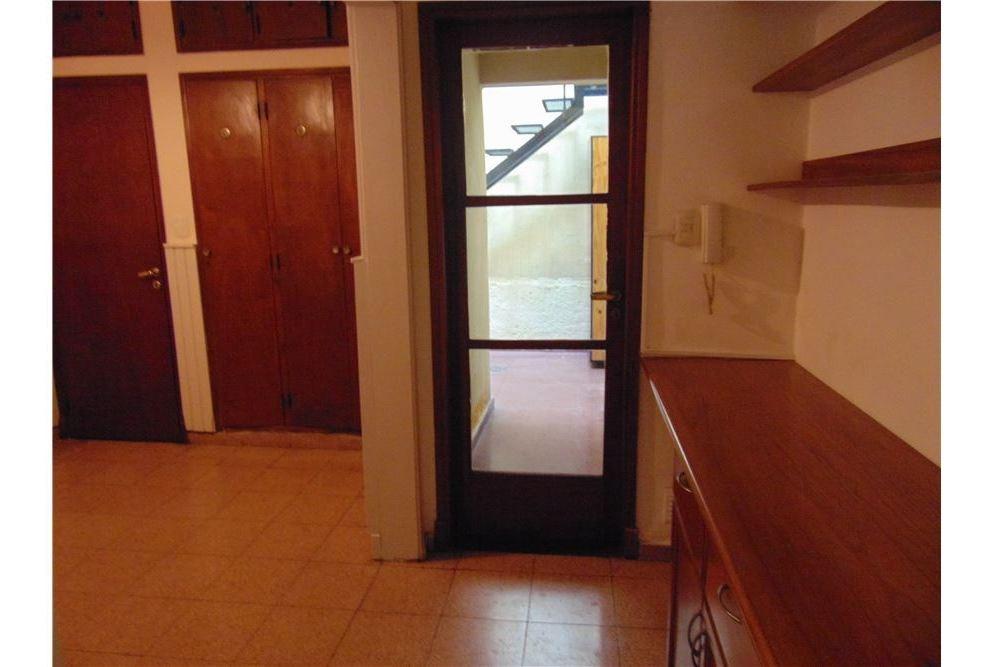 casa de tres dormitorios con patio -pichincha