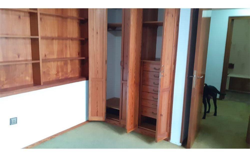casa de tres dormitorios con pileta y parrilla