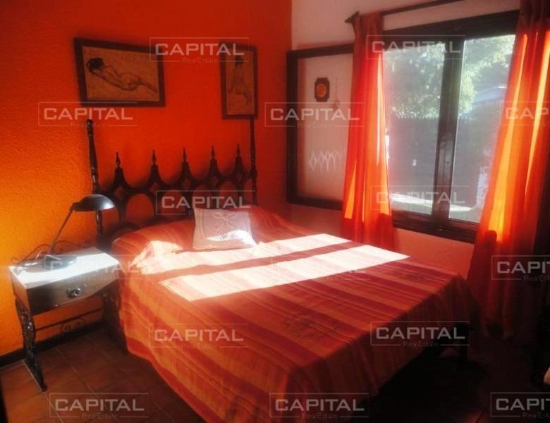 casa de tres dormitorios en alquiler anual-ref:25055