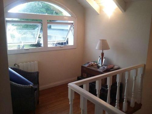 casa de tres dormitorios en country