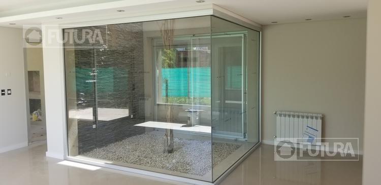 casa de tres dormitorios en venta en miraflores funes