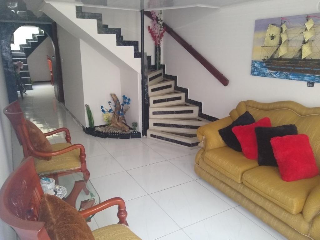 casa de tres niveles