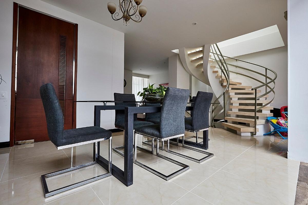 casa de tres niveles excelente ubicacion pereira