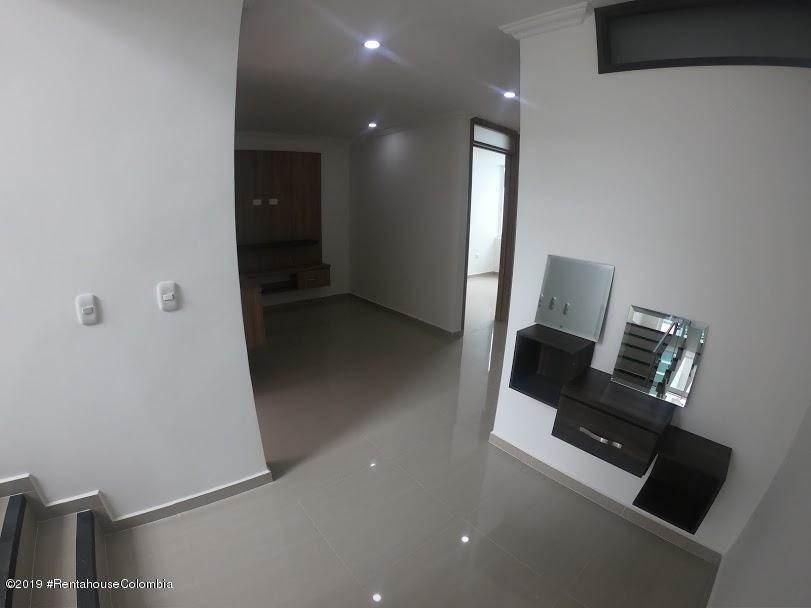casa de tres niveles vereda fusagasuga mls #19-1205 fr
