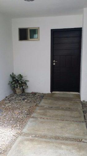 casa de tres niveles, zona residencial, vigilante 24hrs.