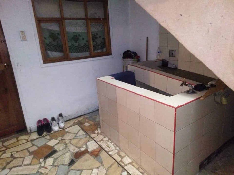 casa de tres pisos 10 alcobas 3 baños 3 cocinas