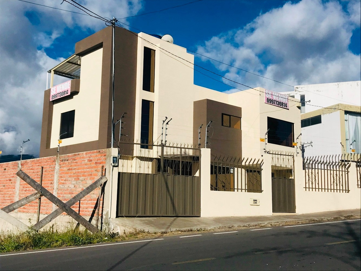 casa de venta en ambato sector izamba urb  el aeropuerto