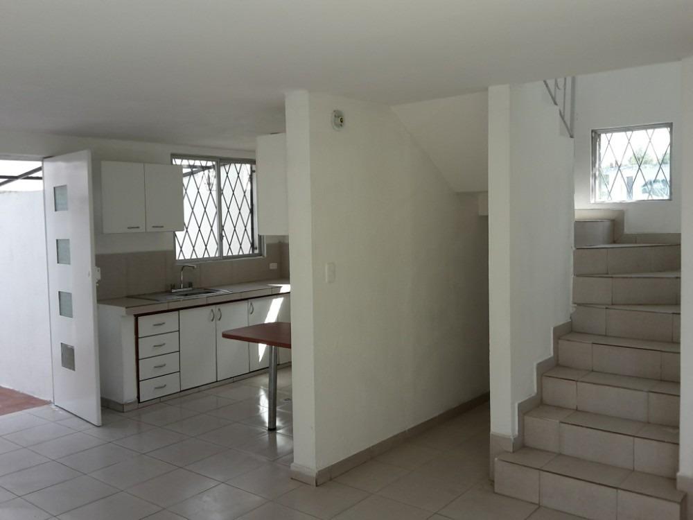 casa de venta en quitumbe 90m2, 3 habitaciones + parqueadero
