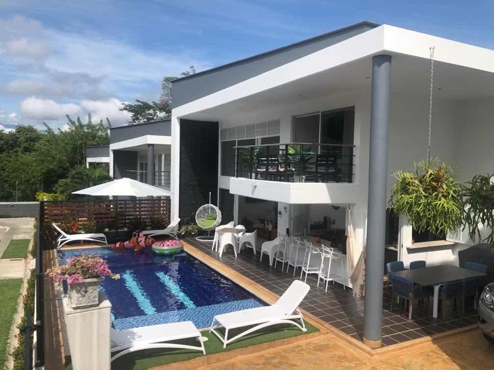 casa de verano 3 cuartos, 3 baños, piscina