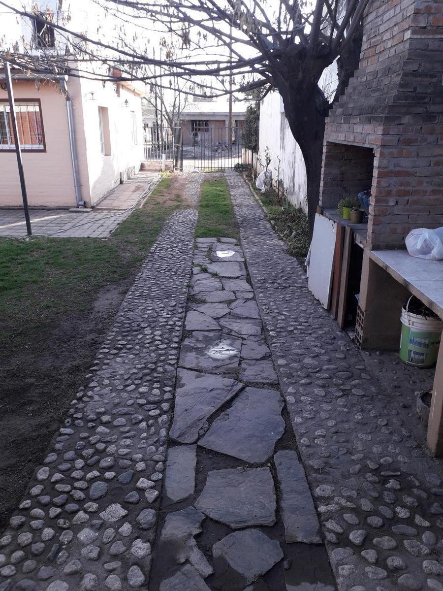 casa   departamento en venta en villa dolores cerquita del río!!!