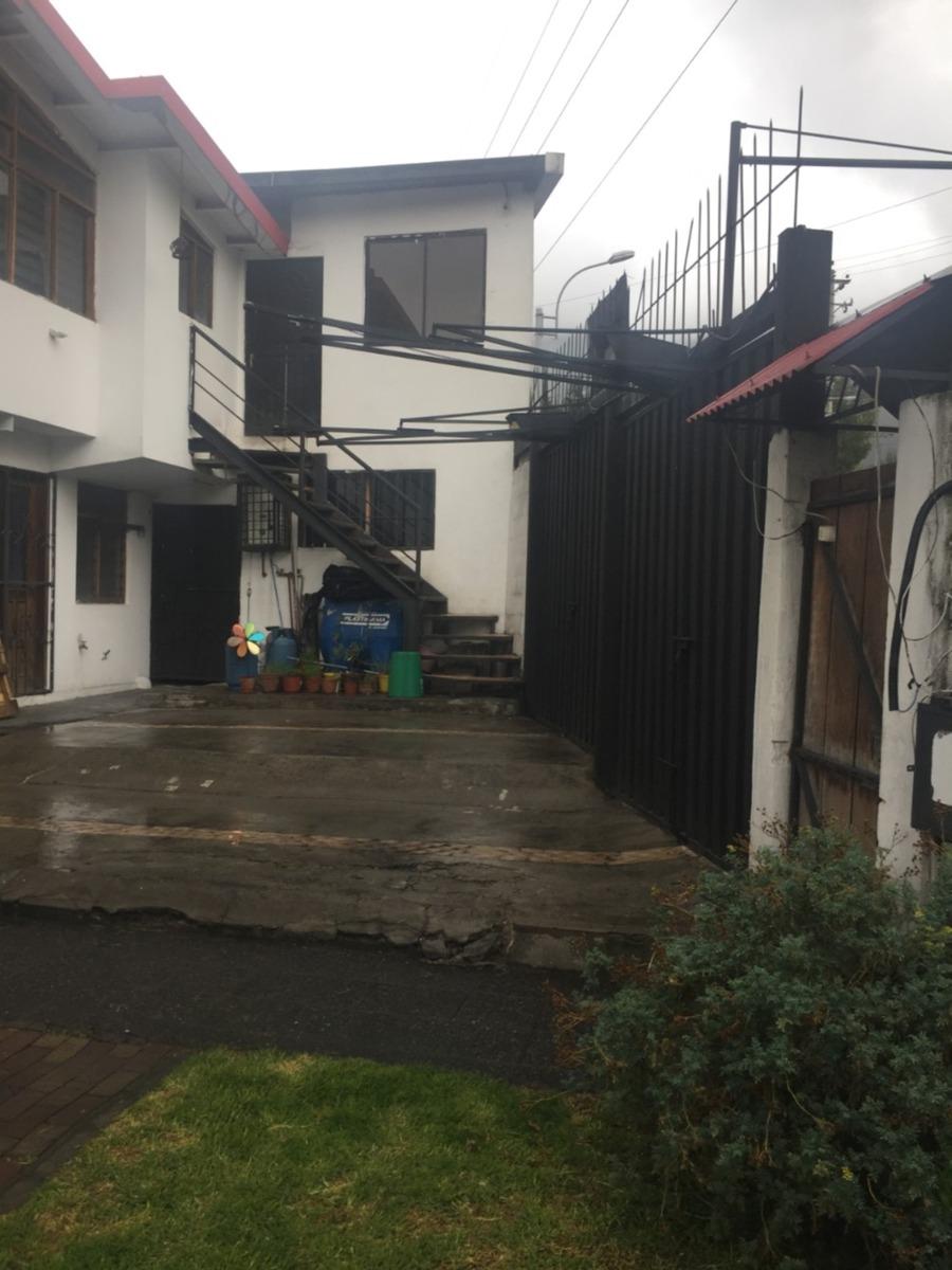 casa + departamento + local frente a la universidad central