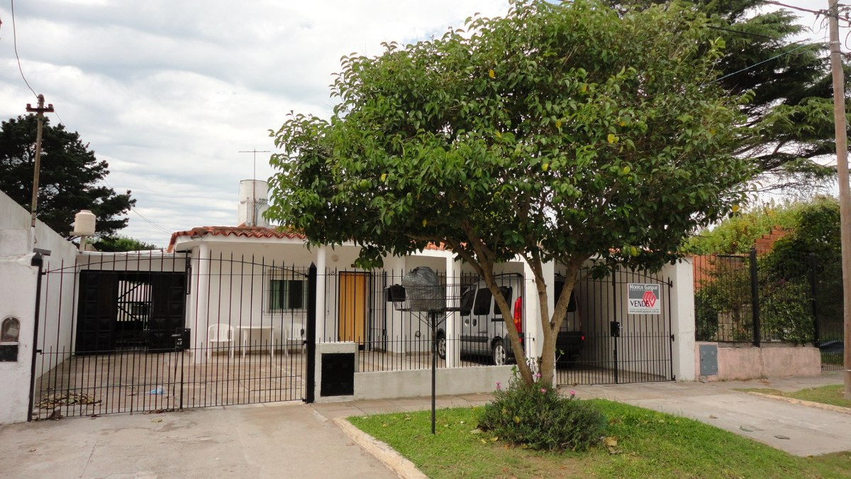 casa + departamentos con lote  en block oportunidad!!!!