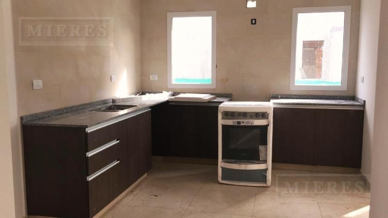 casa desarrollada en una planta en venta en san gabriel - 3 dormi.